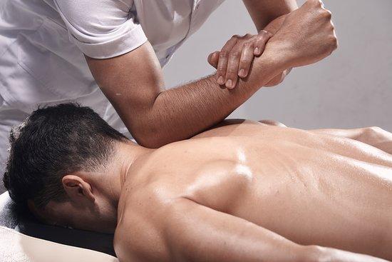 Male Massage Session in Delhi